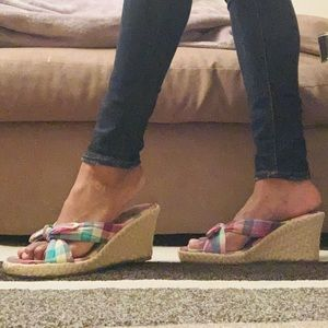 AMERICAN EAGLE AE: Picnic Bow Tie Wedges